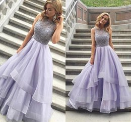 2018 Charming Prom Dresses Sicke eine Linie Tiered Shirts Jewel Neck Sleeveless Tüll Backless Lavendel lange Abendkleid Wear Party Kleider