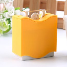 Plastic Toothpick Wholesale Australia - 1 pc Plastic Automatic Toothpick Holder Toothpick Box Dispenser Bucket Home Bar Table Accessories Popular