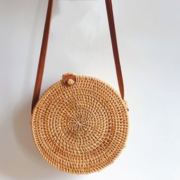 Women Straw Shoulder Bag Circle Handwoven Bali Round Retro Rattan Straw Beach Bag Crossbody Female Casual Phone Money Bags from guitar pendant black suppliers