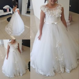 Toddler Flower Girl Dresses Train Pas Cher-Pas cher robe de bal fille fleur robes pour les mariages dentelle Appliqued Toddler Pageant robes Tulle bijou cou balayage train Kid robe