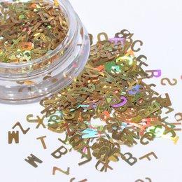 Ingrosso 1 pz Laser Nail Glitter Paillettes 3D Misto Lettera 26 Disegni Holographic Nails Pailette Manicure Nail Art Decor Bellezza Completa CH654