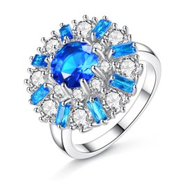 $enCountryForm.capitalKeyWord NZ - 18K White Gold Plated Overside Big Flowers White & Blue Cubic Zircon Party Wedding Finger Ring Fashion Jewelry Bijoux Gift for Women