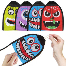 Thumb sporTs online shopping - Novelty Thumb Ejection Kite With A Smiling Face Outdoors Sports Environmental Protection Material Parent Child Emoji Kites xd W
