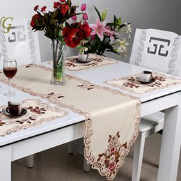 Elegant European Style Embroidery Table Runner Wedding Decoration Runner  Princess Home Decoration Table Runners And Placemats