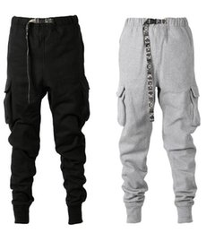 China 2019SS New Camouflage Belt Thick Track Pants Hiphop Tapered Fit Multi-pocket Sweatpants Men Winter pants joggers pants S-XXL supplier tapered pants suppliers