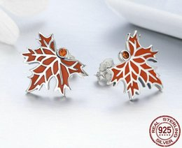 Wholesale New Design Sterling Silver Red Maple Leaf Fashion Ladies Jewelry Earrings Studs Beautiful Silver Earrings with Exquisite Workmanship