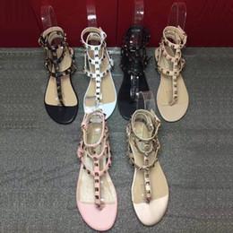 98425e03e Sandálias de lírio sapatos de loja de mulheres de salto plana de couro  ocasional fivela cinta ricet sandálias tira no tornozelo senhora clássico  rebite ...