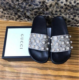 23f8d0b0e87f1 AAAAA+2018 mens and womens fashion rubber Slides Sandals with Pearl effect  and gold-toned studs boys and girls outdoor beach slippers