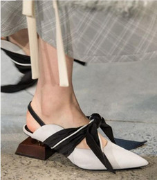 $enCountryForm.capitalKeyWord NZ - Fashion Stylish Unique Design Strange Heel Muller Slipper Shoes With Bowtie Lace Up Pointed Toe Slingback Party Stage Shoes Women Size 34-41
