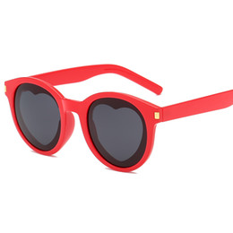 27f076b3499 Love Heart Sunglasses Women Round Vintage Christmas Gift Black Pink Red  Heart Shape Sun Glasses for Women Uv400