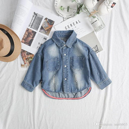 $enCountryForm.capitalKeyWord NZ - New Spring Autumn Baby Boys Girls Denim Shirt Kids Long Sleeve Jeans Shirt Child Outwear Denim Shirts 4220