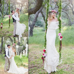 Discount romantic boho beach wedding dress - 2019 Romantic Off the Shoulder Bohemian Wedding Dresses Sweep Train Lace Garden Beach Bridal Gowns Custom Made Plus Size