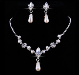 $enCountryForm.capitalKeyWord Australia - 2018 Crystal Drop Pearls silver plated necklace Imitation earrings Wedding jewelry sets for bride Bridesmaids women Bridal Accessories