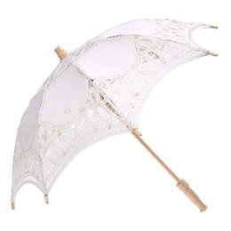China Lace Wooden handle Sun umbrella Wedding decoration props suppliers