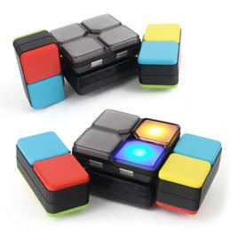 Vente en gros Rubik Cube Music Glowing Clignotant Magic Cube Jouets Changeable Intelligent Puzzle Kid Musique Électronique Coloré Jeu de Lumière Cube