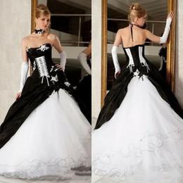 Vestidos de boda blancos y negros del vestido de bola de la vendimia 2019 Venta caliente Backless corsé Victorian Gothic más tamaño vestidos nupciales de la boda baratos en venta