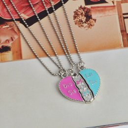 Discount wholesale fathers day gifts - 20pcs lot Fashion Father 's Day Key Chain Mother' S Day Love Splice Necklace Heart Shape Daddy Mother Daughter