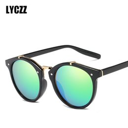 e39423aac83 LYCZZ 2018 Round Vintage Rivet Sunglasses Women Brand Designer UV400 Eyewear  Gradient Retro Sun Glasses Female Elegant Oculos