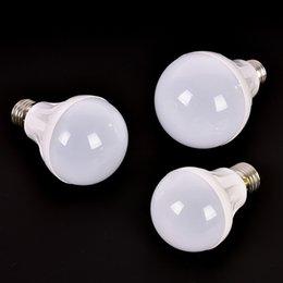 Großhandel E27 LED Birne leuchtet DC 12V LED Lampe 3W 5W 7W Energiesparlampe 220V AC, DC 12 V LED Glühlampen für Außenbeleuchtung