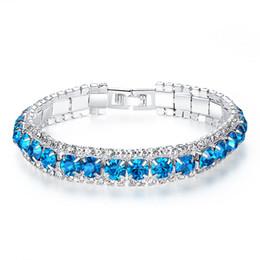 66e3b9bba602 Nueva Llegada Diseño Pulsera de Señoras Diamantes Azul Color Enlace de  Cadena Encanto Pulseras de Cristal Brillante Brazaletes Mujeres Accesorios