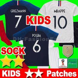 2 dos estrellas France soccer jersey football shirt kids kit Francia Niños  chandal camisa camiseta de fútbol kit Griezmann Mbappé muchachos niño copa  del ... af60e84cb715a