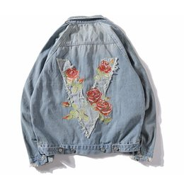 Discount street wear jackets - Mens Fashion Brand Rose Embroidery Jeans Jacket Washed vintage Blue Denim Coat High Street Wear Free Shipping