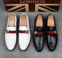 Wholesale High Quality Fashion Men High Top British Style Rrivet Causal Luxury Shoes Men Red Gold Black Bottom Shoes dress shoes men dha15