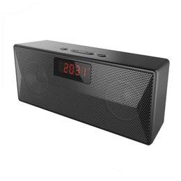 Venta al por mayor de Envío gratis Desktop Alarm Clock Wireless Bluetooth Mini Speaker con Radio FM Soporte TF Tarjeta FM Radio Charge 3