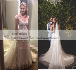 Appliques Style Wedding Dresses NZ - 2019 Elegant A-Line Lace-Applique Wedding Dresses V-neck Cap-Sleeves 3D Flora Champagne Tulle Garden Boho Style Bridal Gowns