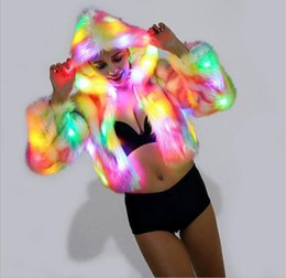 2018 Womens Rainbow Light Up Faux Fur manica lunga con cappuccio LED Parka Coat Halloween Xmas Party Costumes