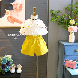 $enCountryForm.capitalKeyWord Canada - Baby girls kids Two Piece suit 2018 New Summer Korean Girl Fashion Strapless Flower Short Sleeve Top Shorts Set