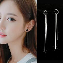 c22e09fb7b95 Pendientes de lujo de cuatro hojas de trébol S925 aguja de plata esterlina  antialérgico espárrago largo Borla cuelga los pendientes barato gota de  oído ...