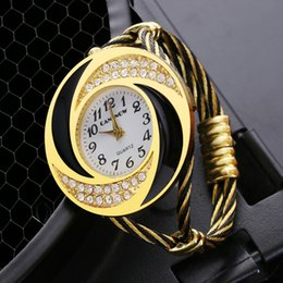 Wholesale CANSNOW Creative Gold Stainless Steel Bracelet Watches Women Top Brand luxury Watch Ladies Casual Rhinestone Wrist Watch Clock
