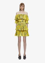 $enCountryForm.capitalKeyWord UK - High Quality Self Portrait Dress 2019 Women Summer Bohemian Sexy Off Shoulder Yellow Floral Printed Pleated Beach Party Dress vestido