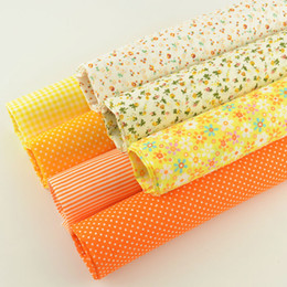 $enCountryForm.capitalKeyWord UK - 7pcs lot Color Cotton Fabric Floral and Dots Design for Home Textile Quilting Meter Desk Decoration Tecido To Patchwork