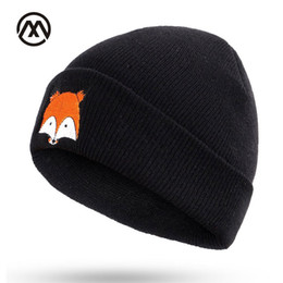 Chinese  New autumn and winter ladies knit hats small fox embroidery outdoor warm comfortable unisex slouchy beanie male caps turban bone manufacturers
