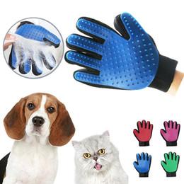 Pet saç eldiven Tarak Pet Köpek Kedi Bakım Temizlik Eldiven Deshedding sol Sağ El Epilasyon Fırça Kan Dolaşımını Teşvik indirimde