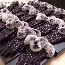 Leather Gloves Sale Australia - New arrival fashion hot sale warm for women rhomboids fur Real lambskin Gloves skin gloves LEATHER Warm for women's gloves with original box