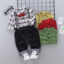 Wholesale Baby boy clothes Autumn new cartoon print long sleeve strap pants two piece set