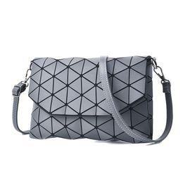 China 2018 new small solid plaid geometric lingge envelope handbag women clutch ladies purse crossbody messenger shoulder bags SB012 cheap white plaid bag tote suppliers