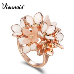 Gold Pink Rings For Women Australia - Viennois Flower Rings for Women Rhinestone Rose Gold Color White Enamel Rings Female Pink B Party Jewelry