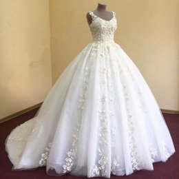 Barato Requintado Rendas Vestidos De Noiva De Volta-Gorgeous Ball Gown Vestido de casamento requintado Lace Appliques Scoop Neck Sleeveless Open Back Zipper Up Puffy Wedding Gowns vestido de noiva