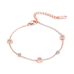 d38198e9b09e Pulsera de mujer Conjunto de números romanos de diamantes de imitación  pastel redondo tobilleras para niñas Pulsera de acero de titanio para mujer  Cadena de ...