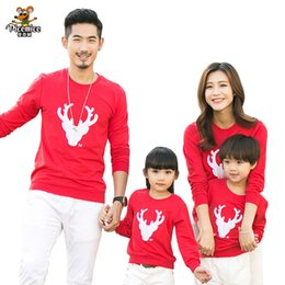 f52ea96e8 2018 Christmas Family Look Deer Mommy and Me Clothes Matching Family  Clothing Sets Mother Daughter Father Baby T-shirt