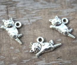 TibeTan silver caT pendanT online shopping - 25pcs Cat Charms Antique Tibetan silver Simply cute Cat Charms pendants DIY Supplies x20mm