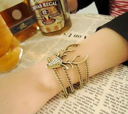 wholesale exaggerated bracelet 2019 - hot style Europe and the United States retro full diamond mysterious deer head bracelet exaggerated modelling bracelet f