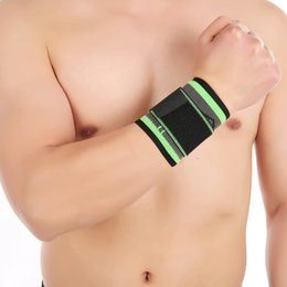 training wrist wrap NZ - Wristband Men Wrist Support Wraps Hand Sprain Wraps Bandage Fitness Training Safety Powerlifting Gym Fitness New