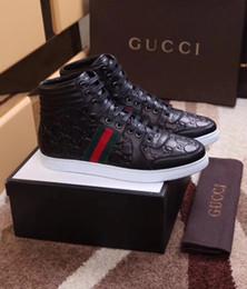 35d2c32af Venda quente Dos Homens Da Marca Kanye West High-top sapatos casuais  Carmine amantes de fundo Sapatos homens Tamanho Disponível EUR 38-46