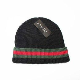 Hight qualidade homens mulheres outono inverno sup beanie ocasional malha cap esportes gorro gorro preto branco vermelho crânio caps 0097
