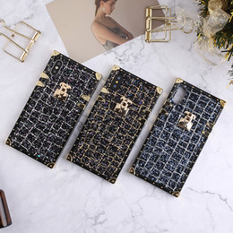 ingrosso scintillio iphone caso black gold-Lusso scintillio bling sfilata di moda festa BOX TPU Phone Case Ibrido nero oro Cover posteriore per iphone X plus plus